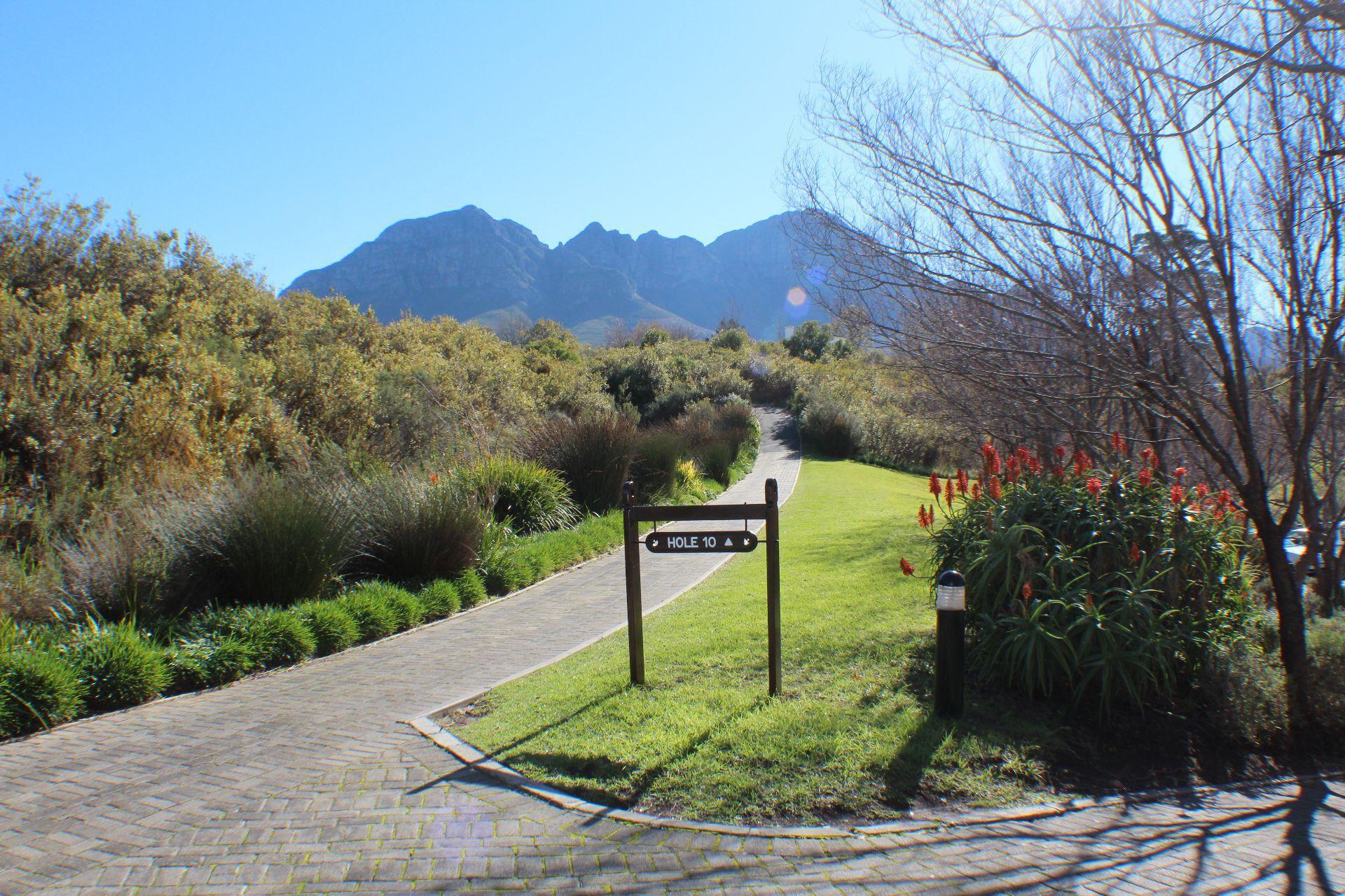 Erinvale Golf Estate property for sale. Ref No: 13509371. Picture no 35