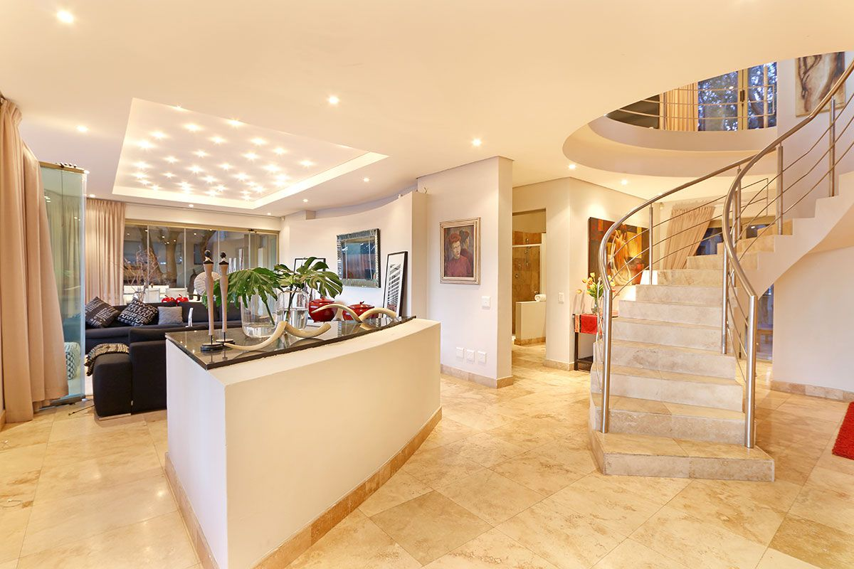 Camps Bay property for sale. Ref No: 2986870. Picture no 4