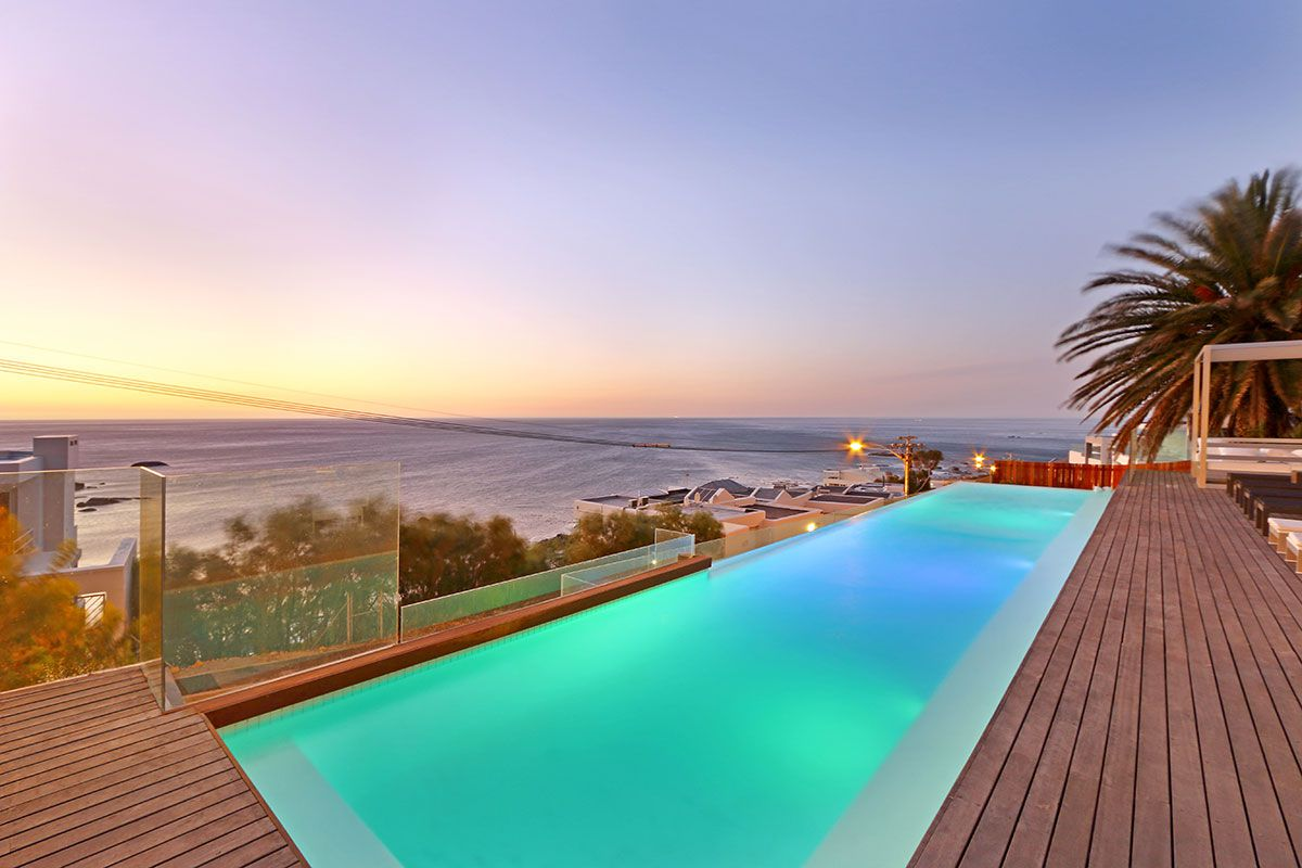 Camps Bay property for sale. Ref No: 2986870. Picture no 21