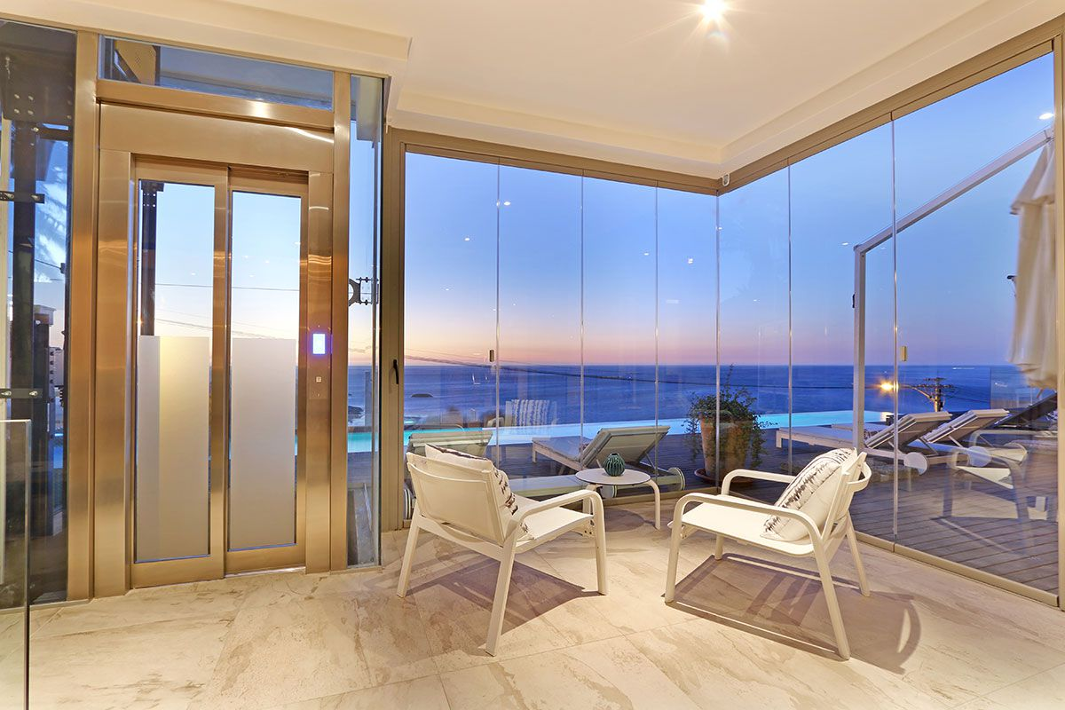 Camps Bay property for sale. Ref No: 2986870. Picture no 2