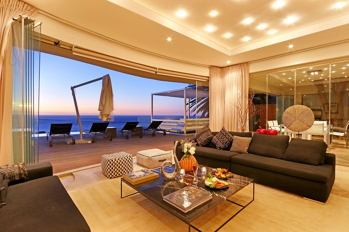 Camps Bay property for sale. Ref No: 2986870. Picture no 10