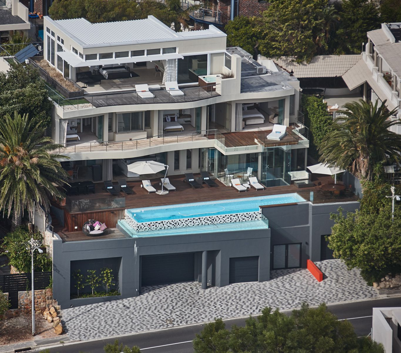 Camps Bay property for sale. Ref No: 2986870. Picture no 24