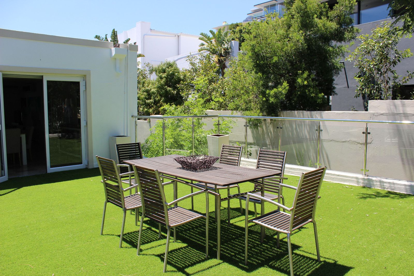 Camps Bay property to rent. Ref No: 13398136. Picture no 24