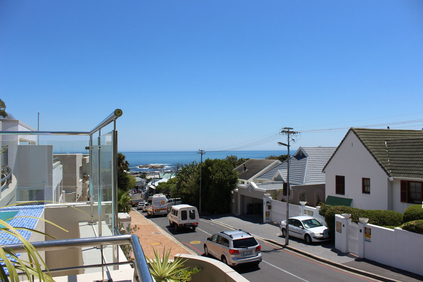 Camps Bay property to rent. Ref No: 13398136. Picture no 21