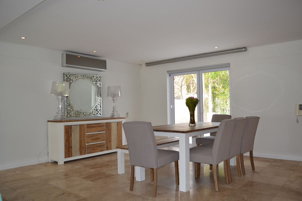 Camps Bay property to rent. Ref No: 13398136. Picture no 2
