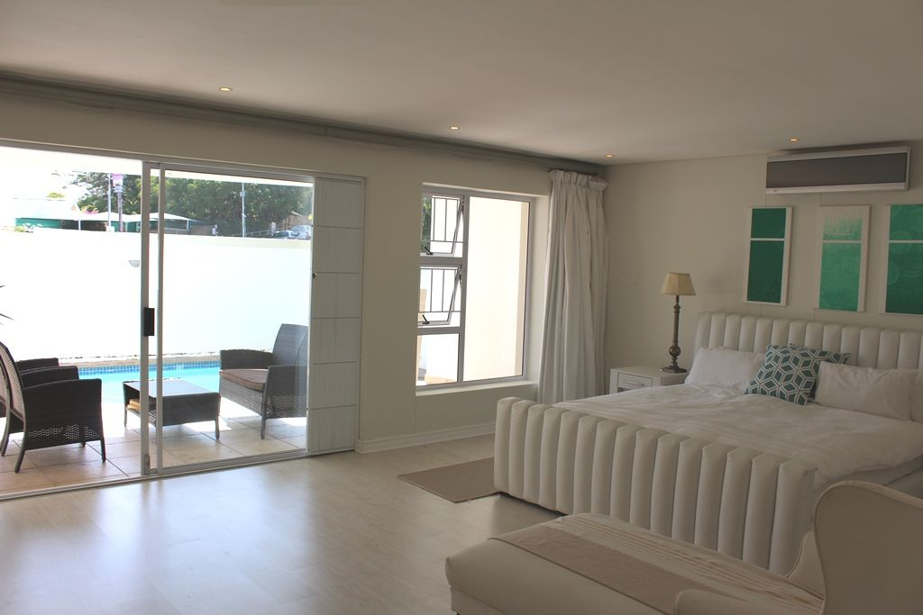 Camps Bay property to rent. Ref No: 13398136. Picture no 5
