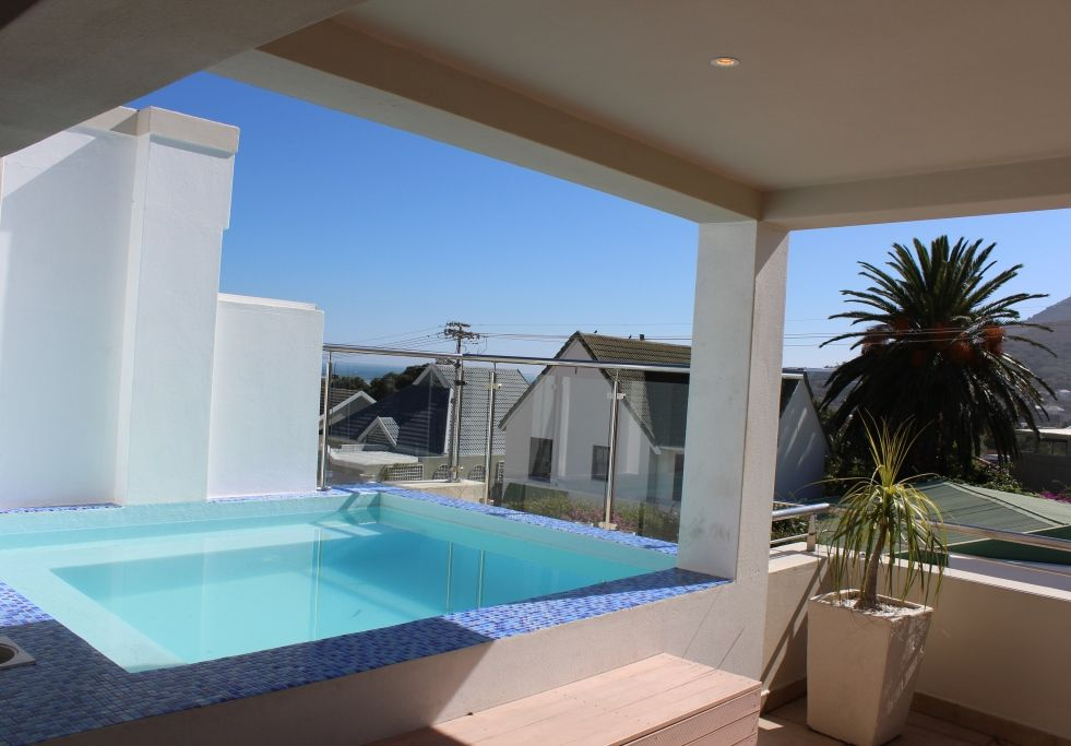 Camps Bay property to rent. Ref No: 13398136. Picture no 26