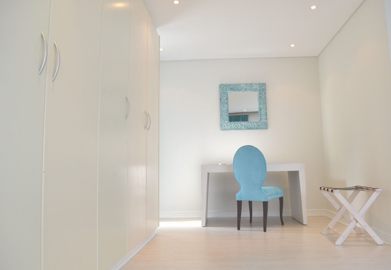 Camps Bay property to rent. Ref No: 13398136. Picture no 14