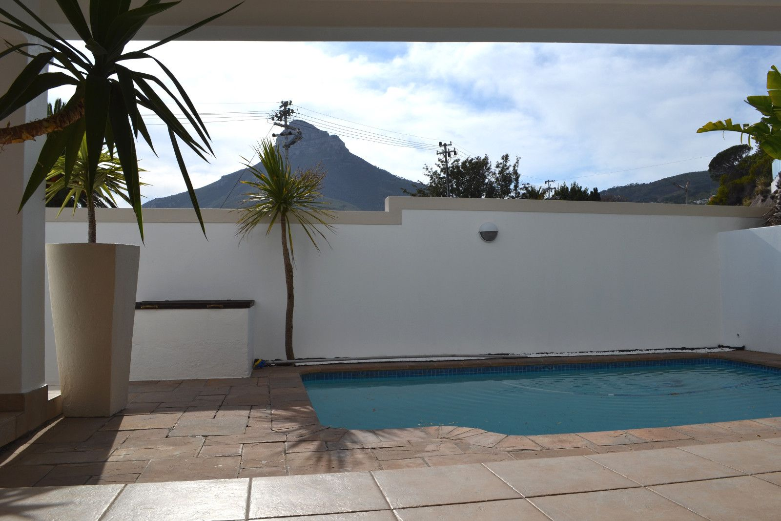 Camps Bay property to rent. Ref No: 13398136. Picture no 20