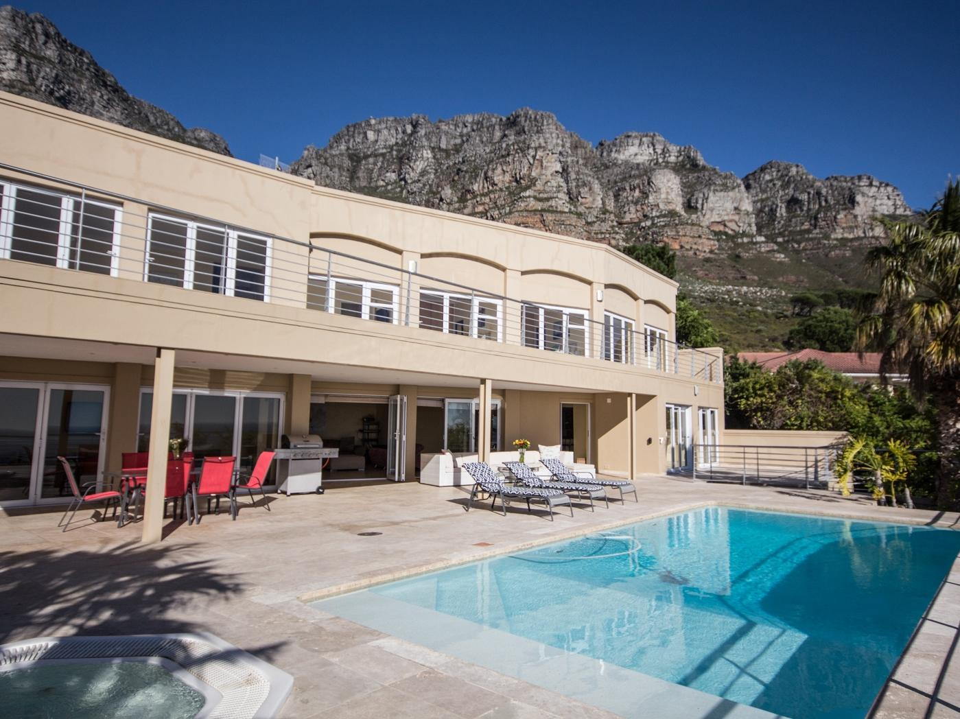 Camps Bay property to rent. Ref No: 13246812. Picture no 1