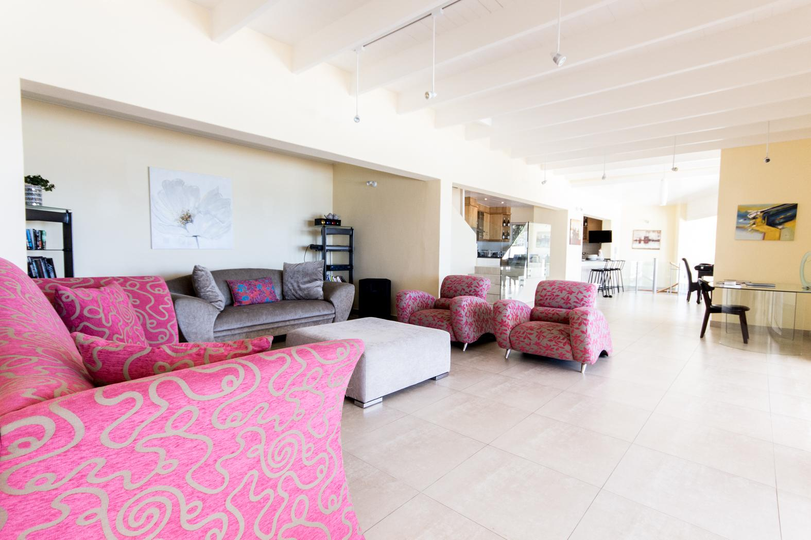 Camps Bay property to rent. Ref No: 13246812. Picture no 6