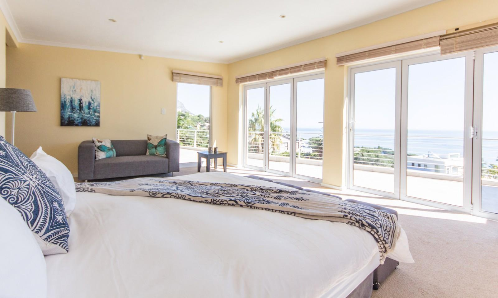 Camps Bay property to rent. Ref No: 13246812. Picture no 19