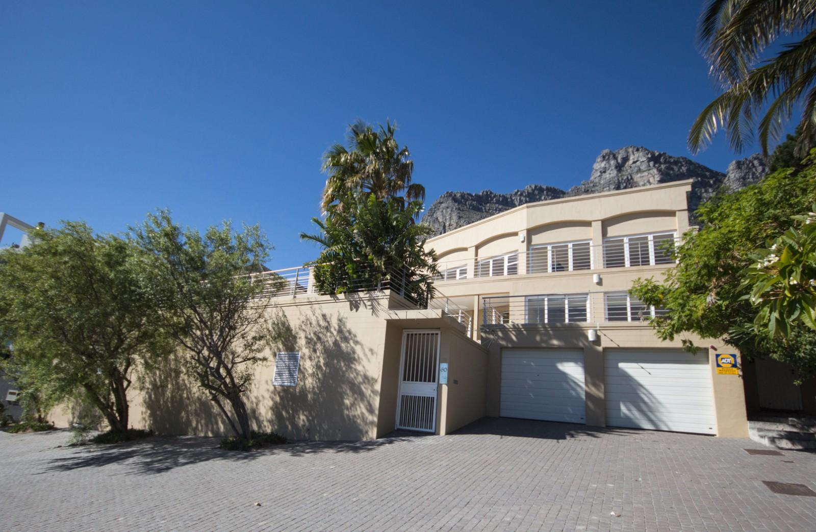 Camps Bay property to rent. Ref No: 13246812. Picture no 23