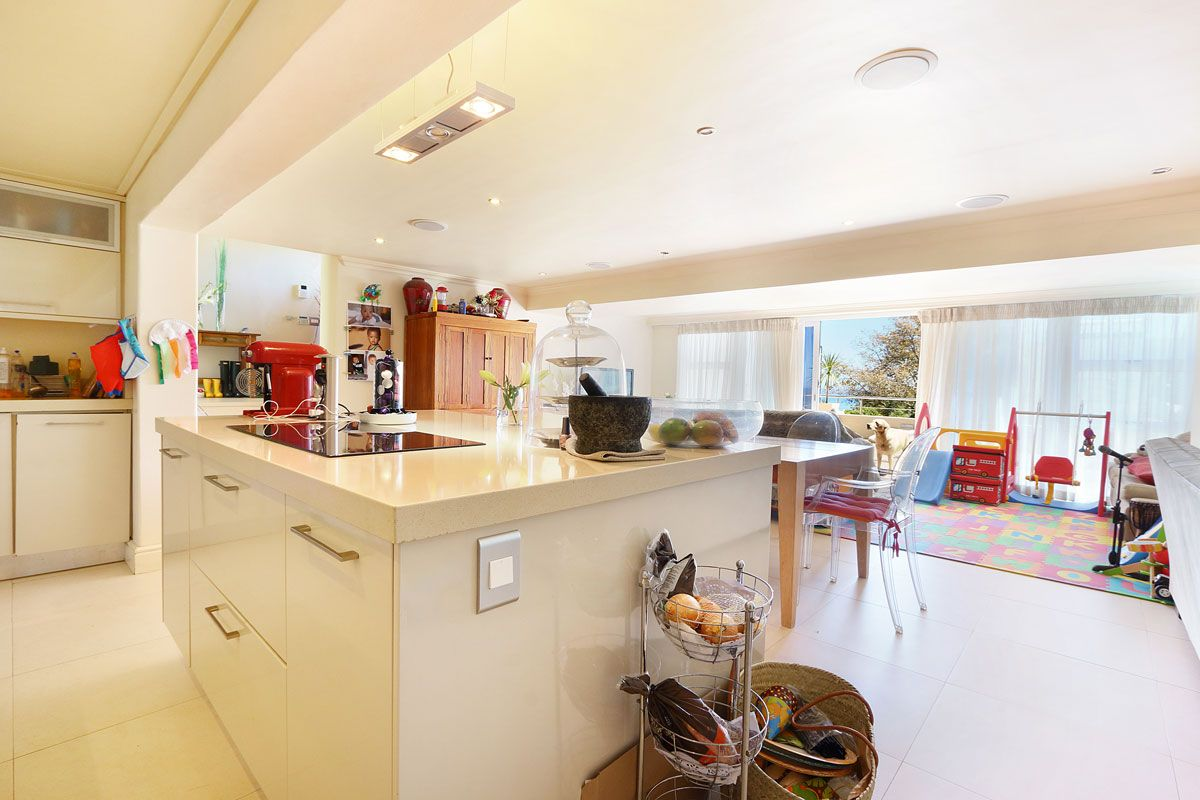 Camps Bay property to rent. Ref No: 13383813. Picture no 16