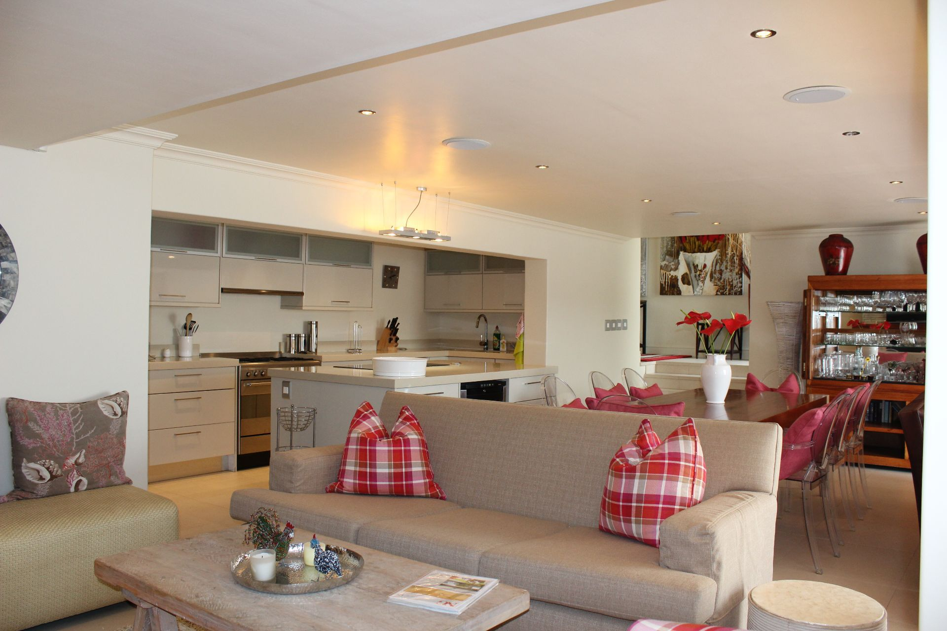 Camps Bay property to rent. Ref No: 13383813. Picture no 17