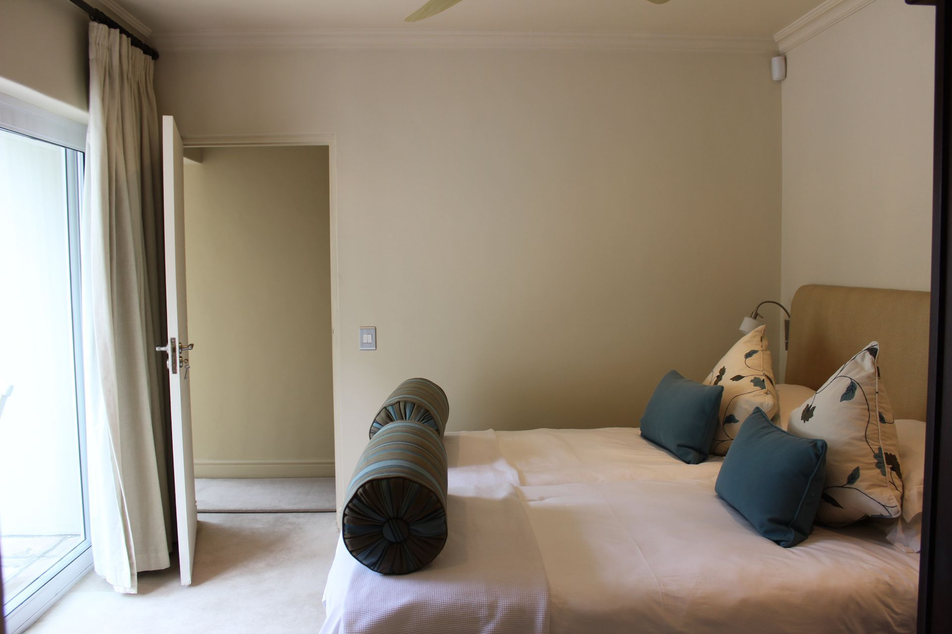 Camps Bay property to rent. Ref No: 13383813. Picture no 21