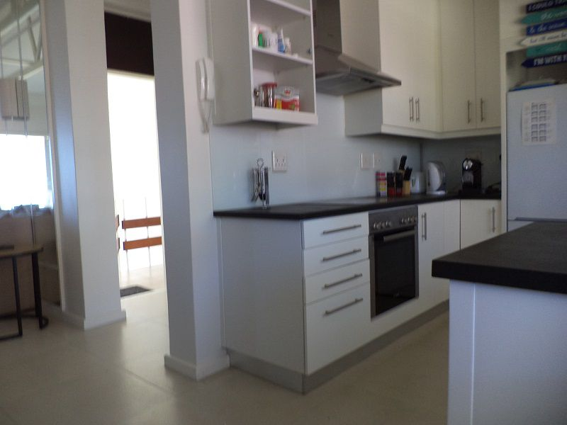 Camps Bay property to rent. Ref No: 13401578. Picture no 3