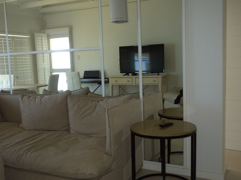 Camps Bay property to rent. Ref No: 13401578. Picture no 2
