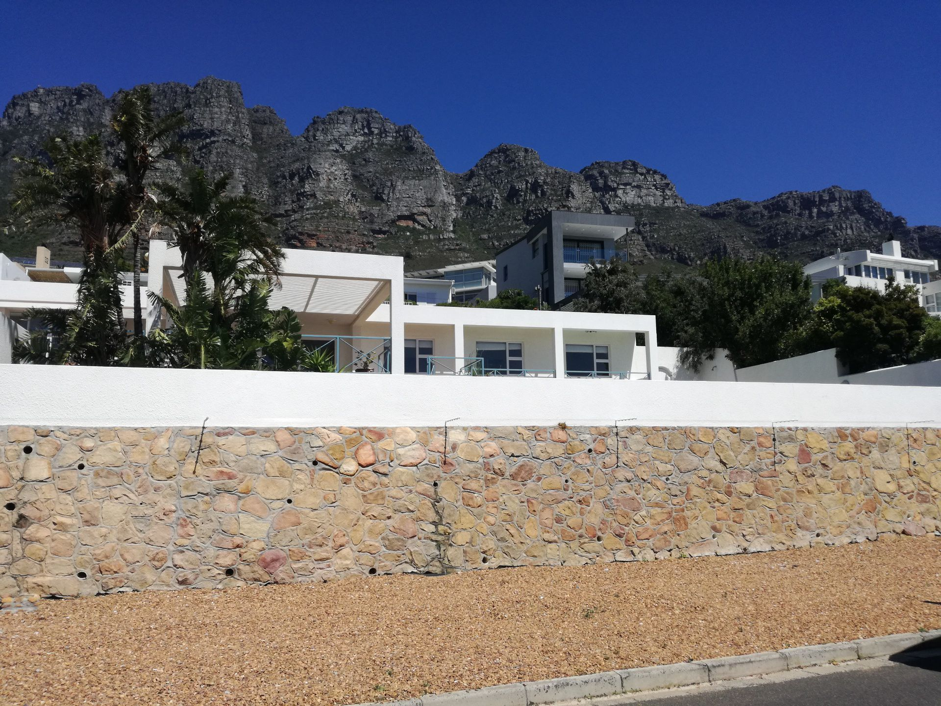 Camps Bay property to rent. Ref No: 13566796. Picture no 6