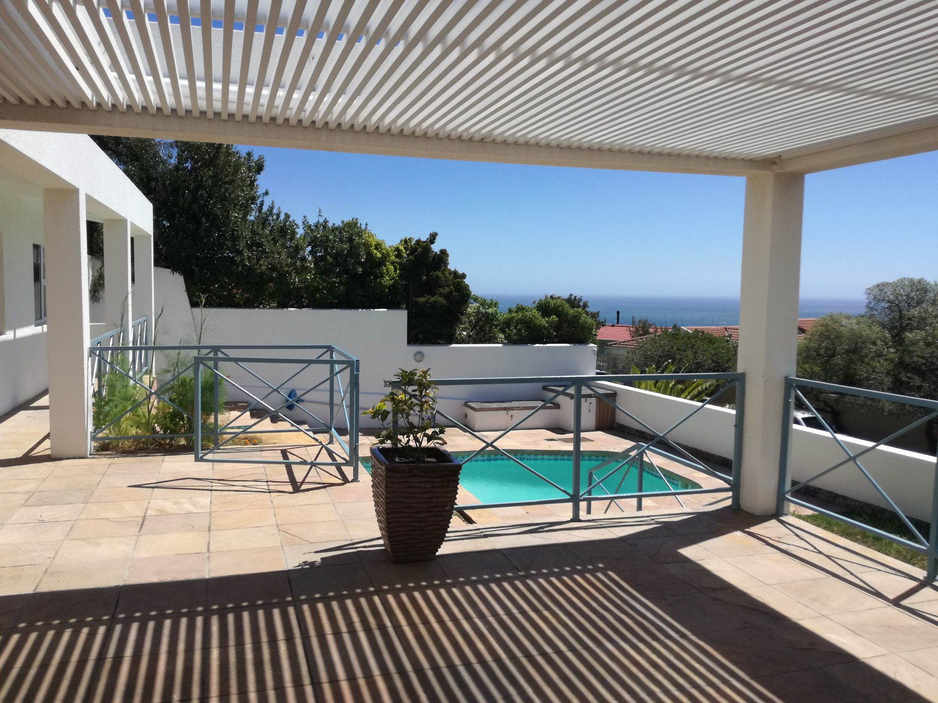 Camps Bay property to rent. Ref No: 13566796. Picture no 4