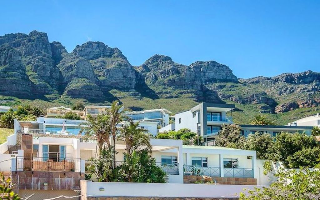 Camps Bay property to rent. Ref No: 13566796. Picture no 2