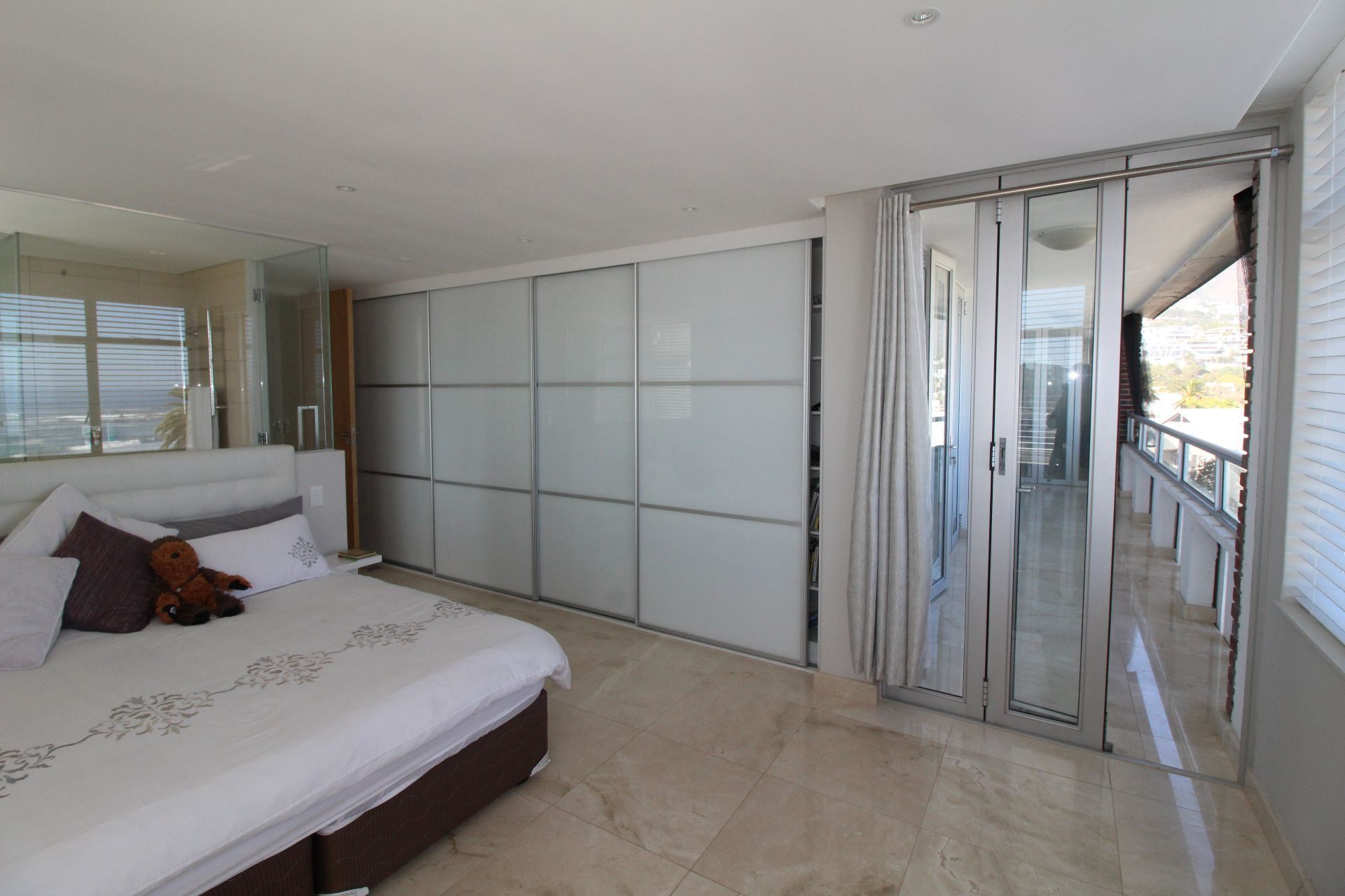 Camps Bay property to rent. Ref No: 13233885. Picture no 13