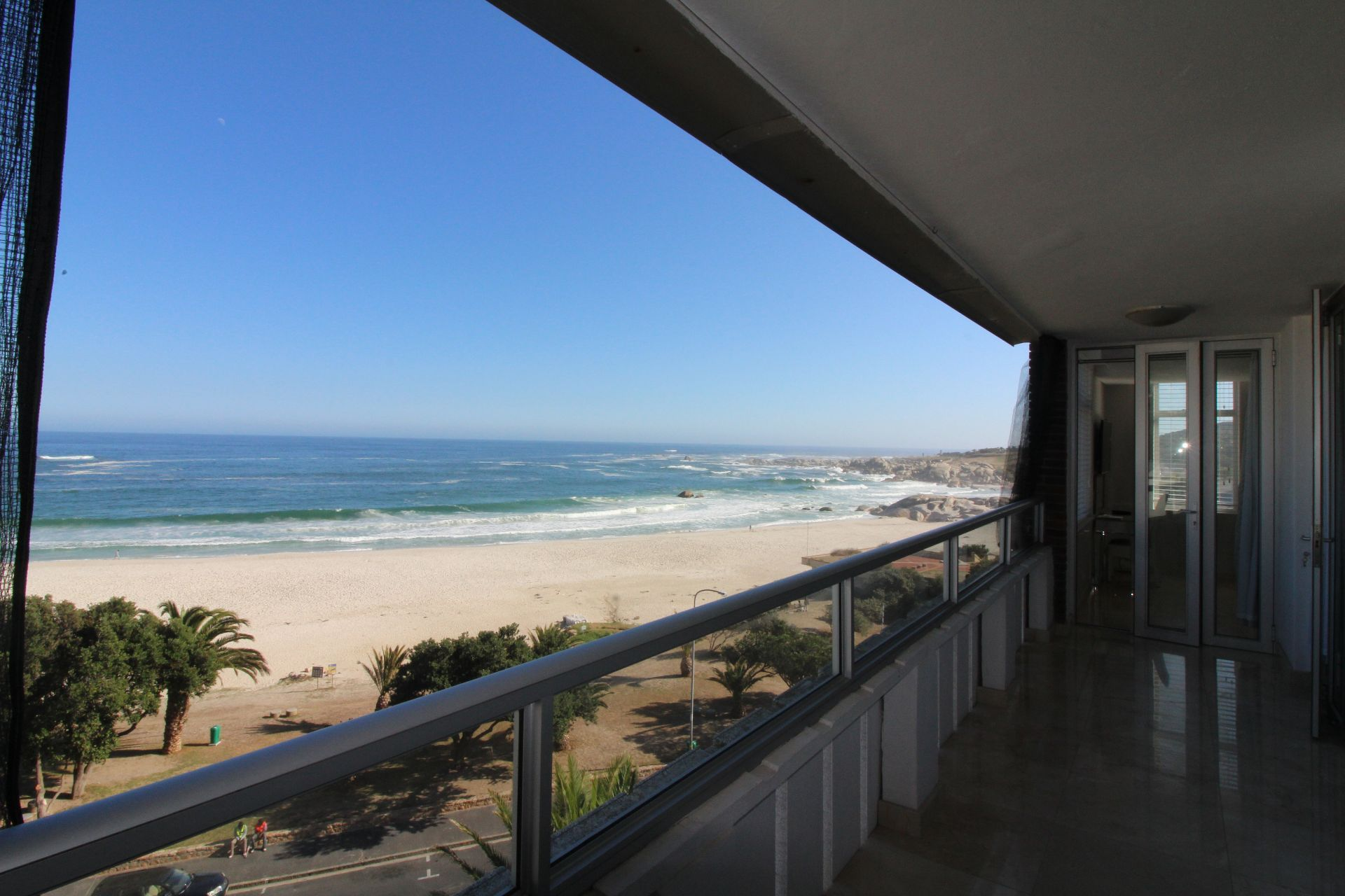 Camps Bay property to rent. Ref No: 13233885. Picture no 15