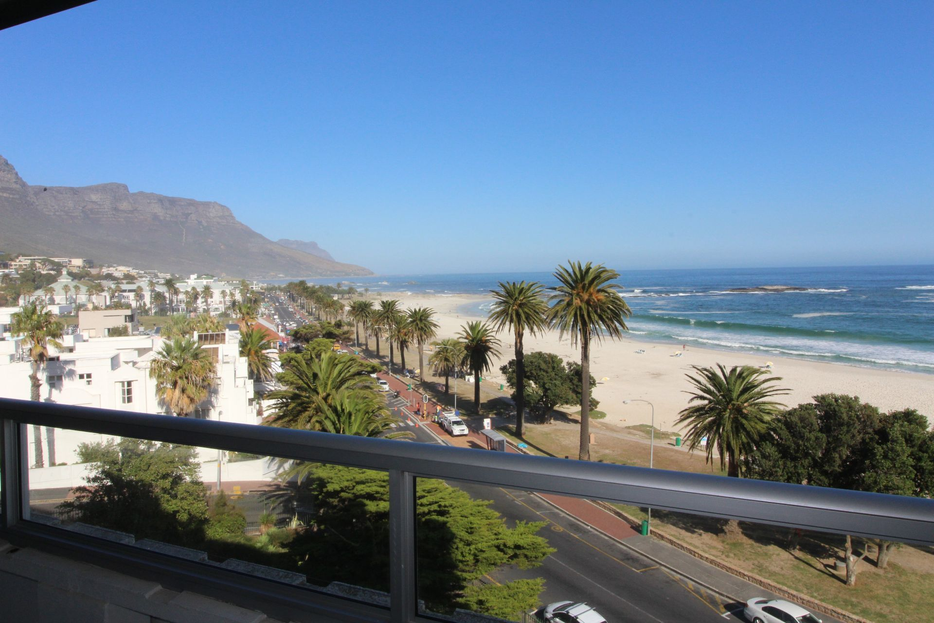 Camps Bay property to rent. Ref No: 13233885. Picture no 16