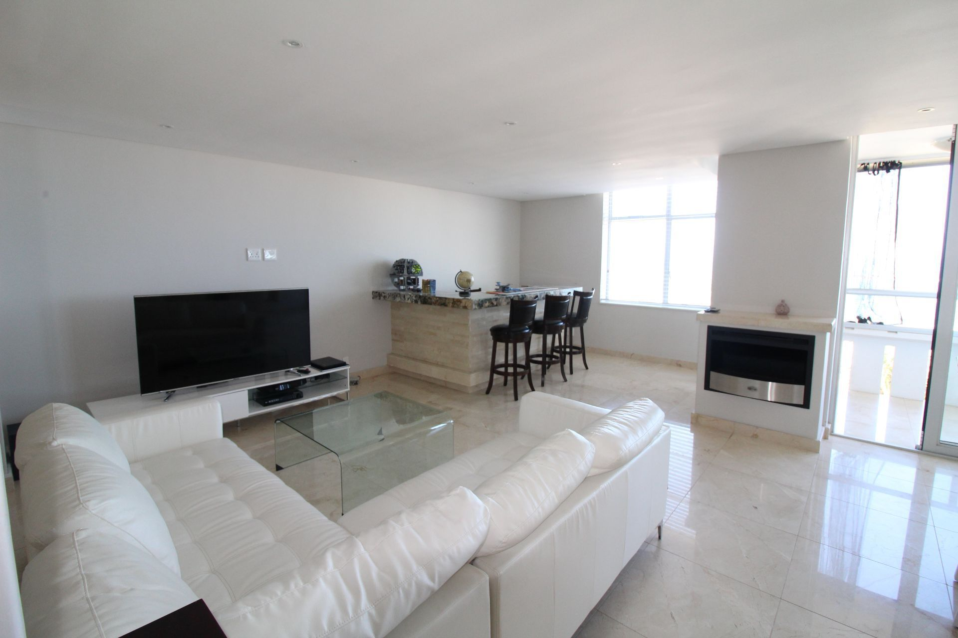 Camps Bay property to rent. Ref No: 13233885. Picture no 6