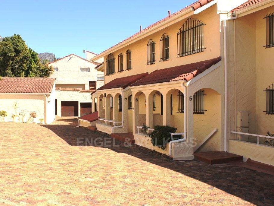 Camps Bay property to rent. Ref No: 13351334. Picture no 16
