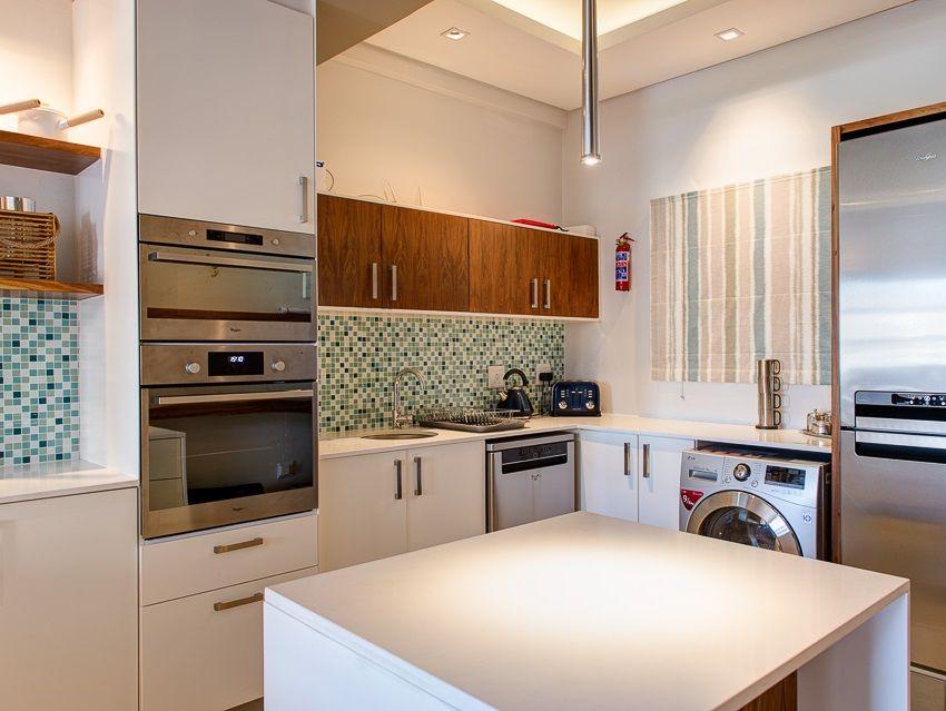 Cape Town City Centre property for sale. Ref No: 13383687. Picture no 2