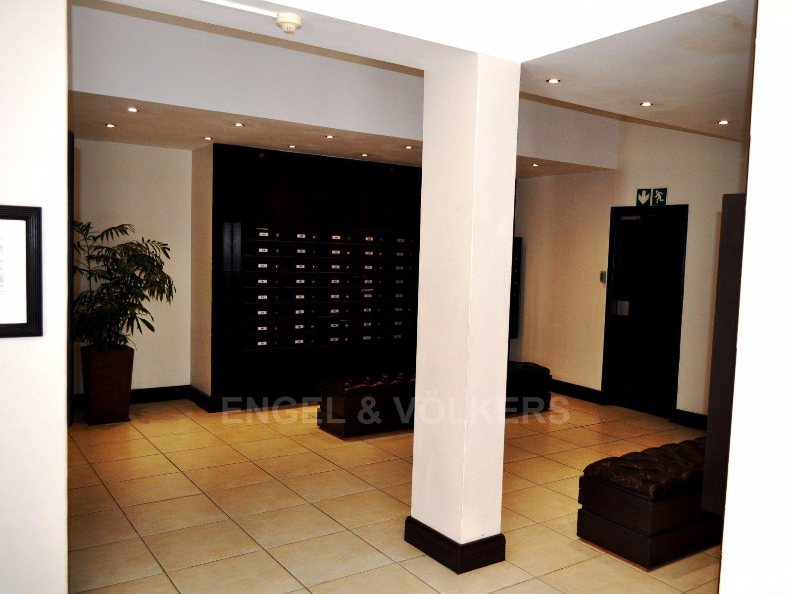 Cape Town City Centre for sale property. Ref No: 13394445. Picture no 2