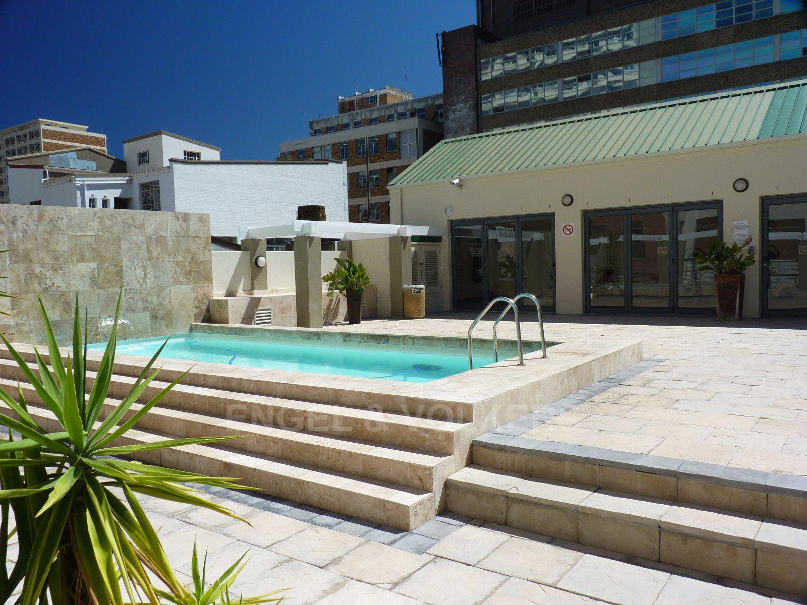Cape Town City Centre property for sale. Ref No: 13394445. Picture no 17