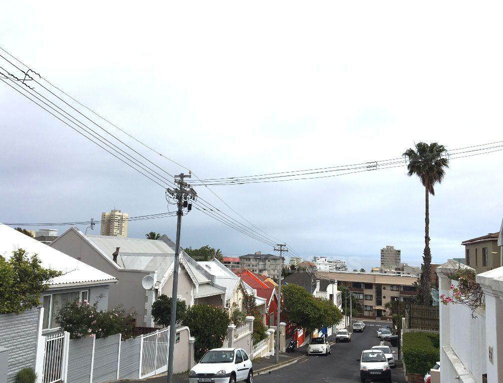Sea Point property to rent. Ref No: 13392111. Picture no 11