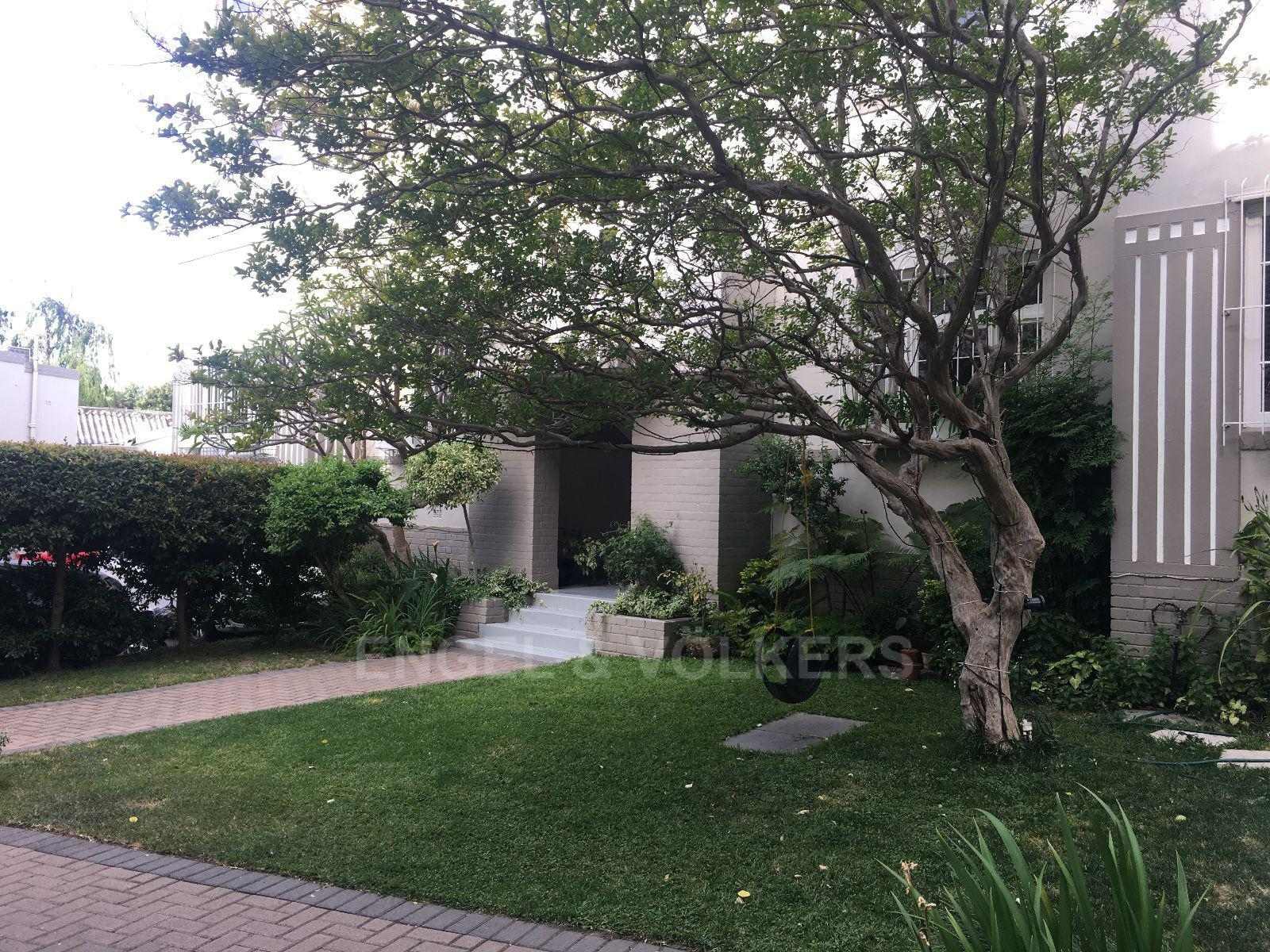 Gardens property to rent. Ref No: 13403382. Picture no 22