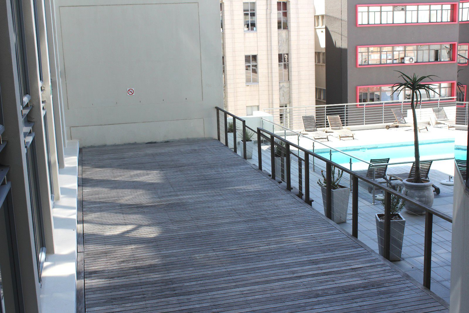 Apartment to rent in cape town city centre 2 bedroom for Kitchen basins cape town