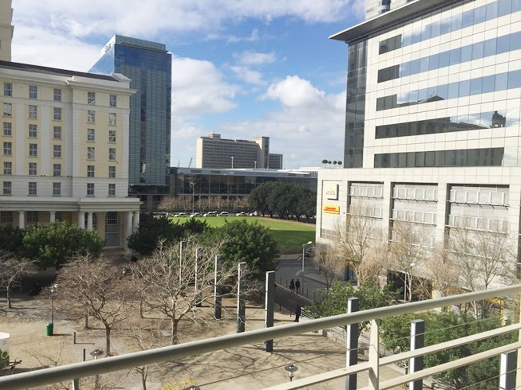 Cape Town City Centre property to rent. Ref No: 13466893. Picture no 2