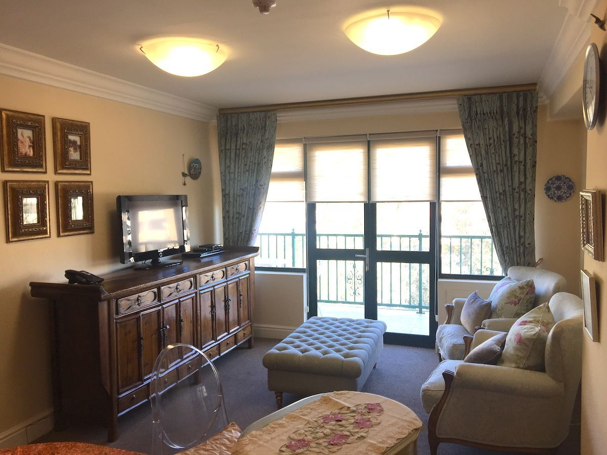 Sea Point property for sale. Ref No: 13473686. Picture no 3