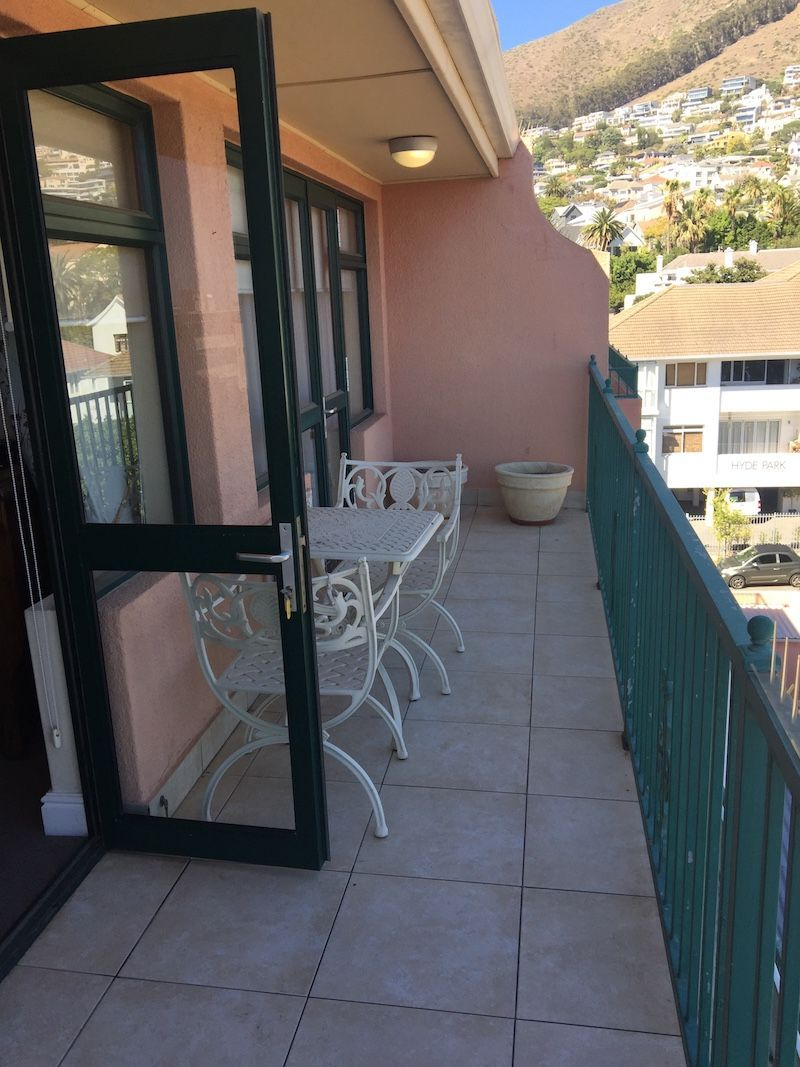 Sea Point property for sale. Ref No: 13473686. Picture no 6