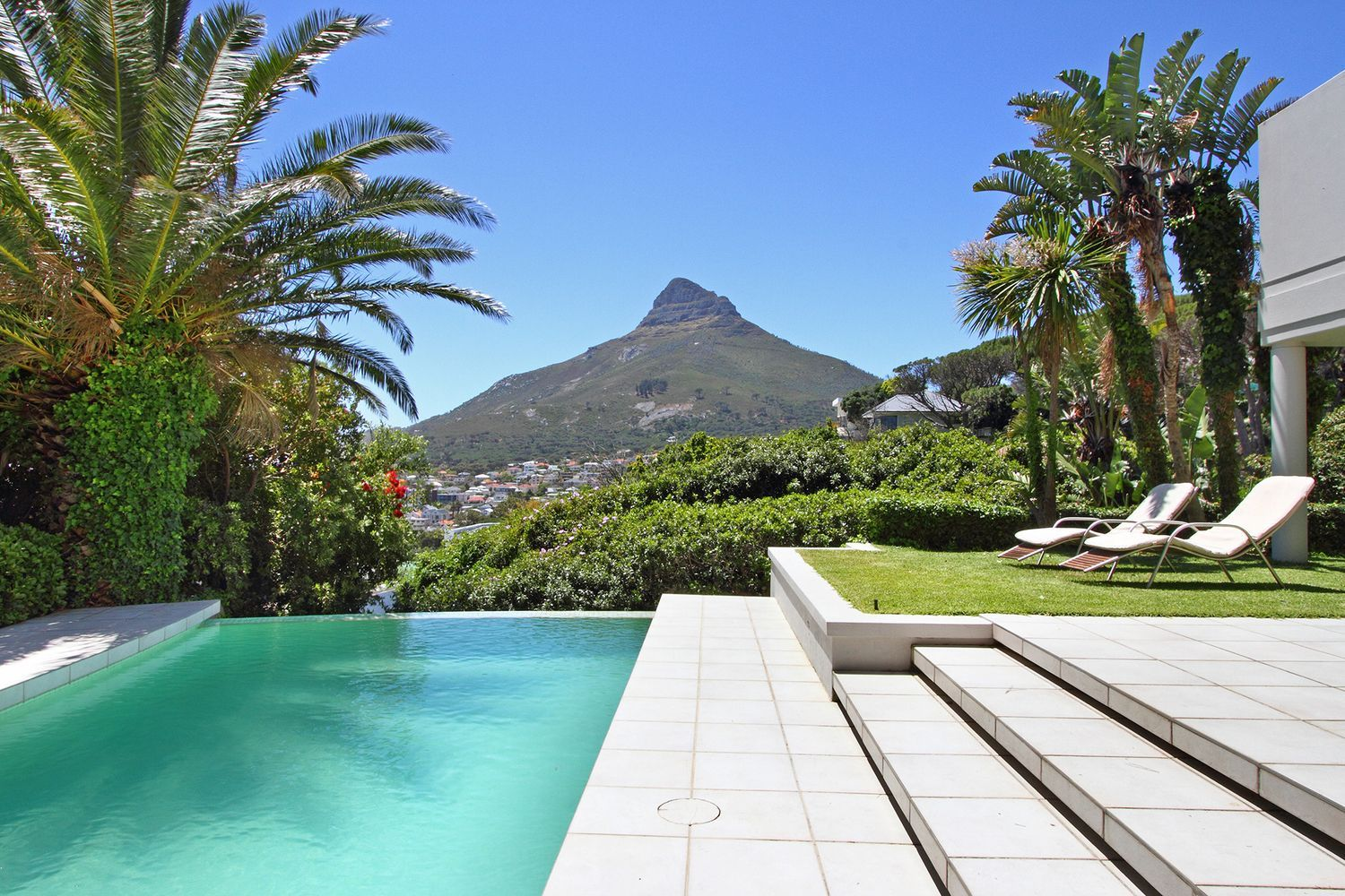 Camps Bay property to rent. Ref No: 13482268. Picture no 9