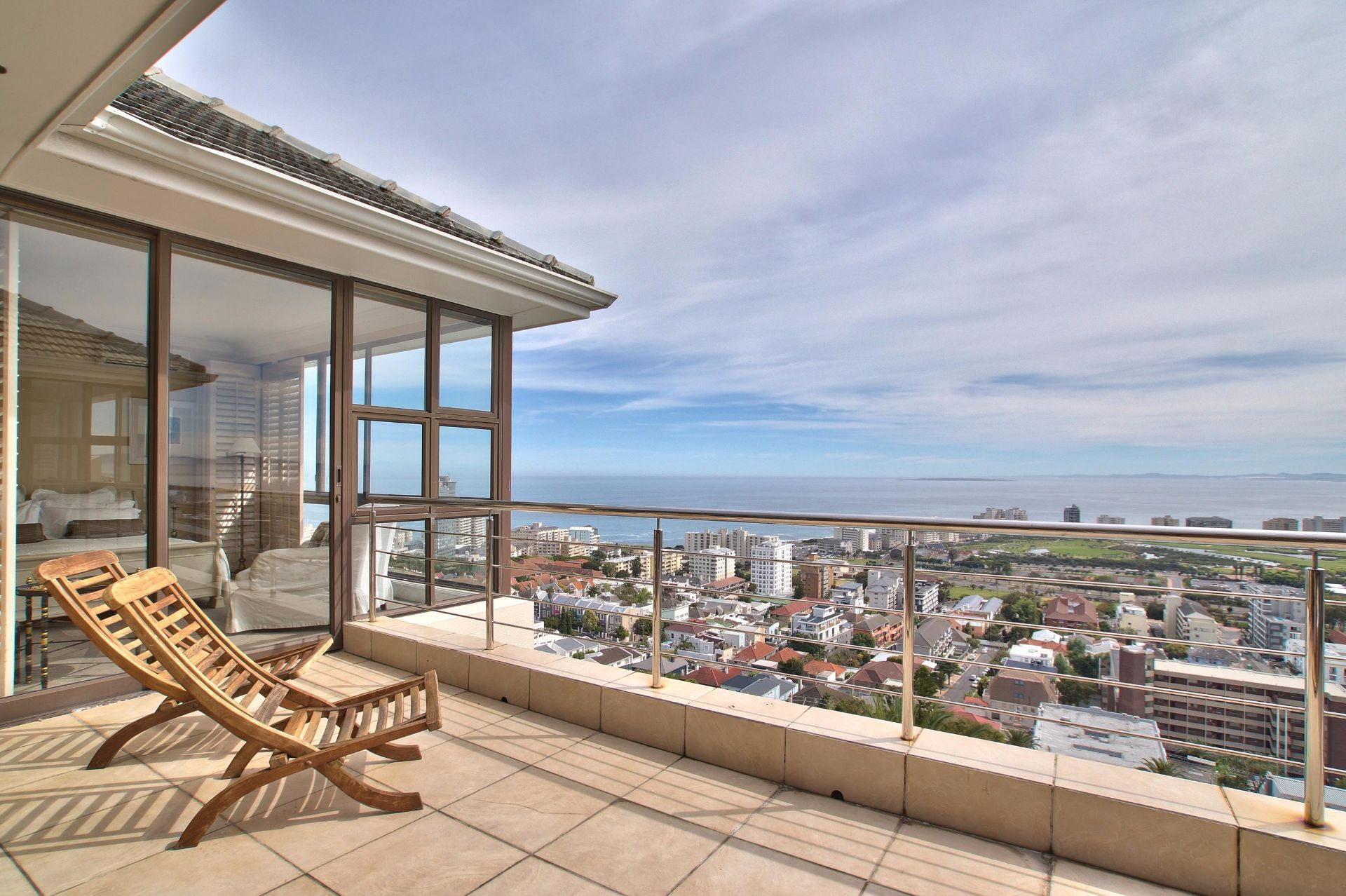 Green Point property to rent. Ref No: 13490207. Picture no 1