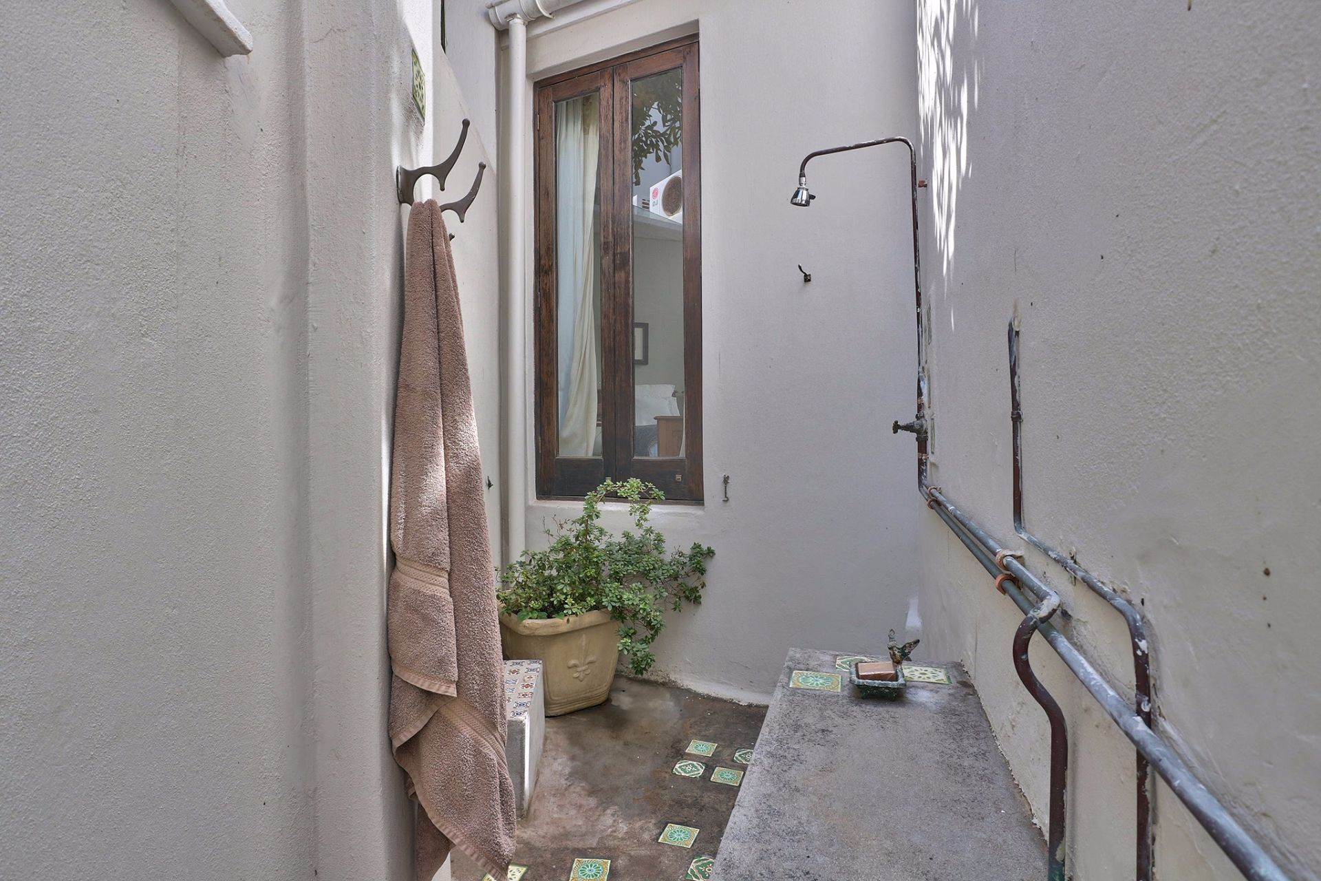 Green Point property to rent. Ref No: 13490143. Picture no 32