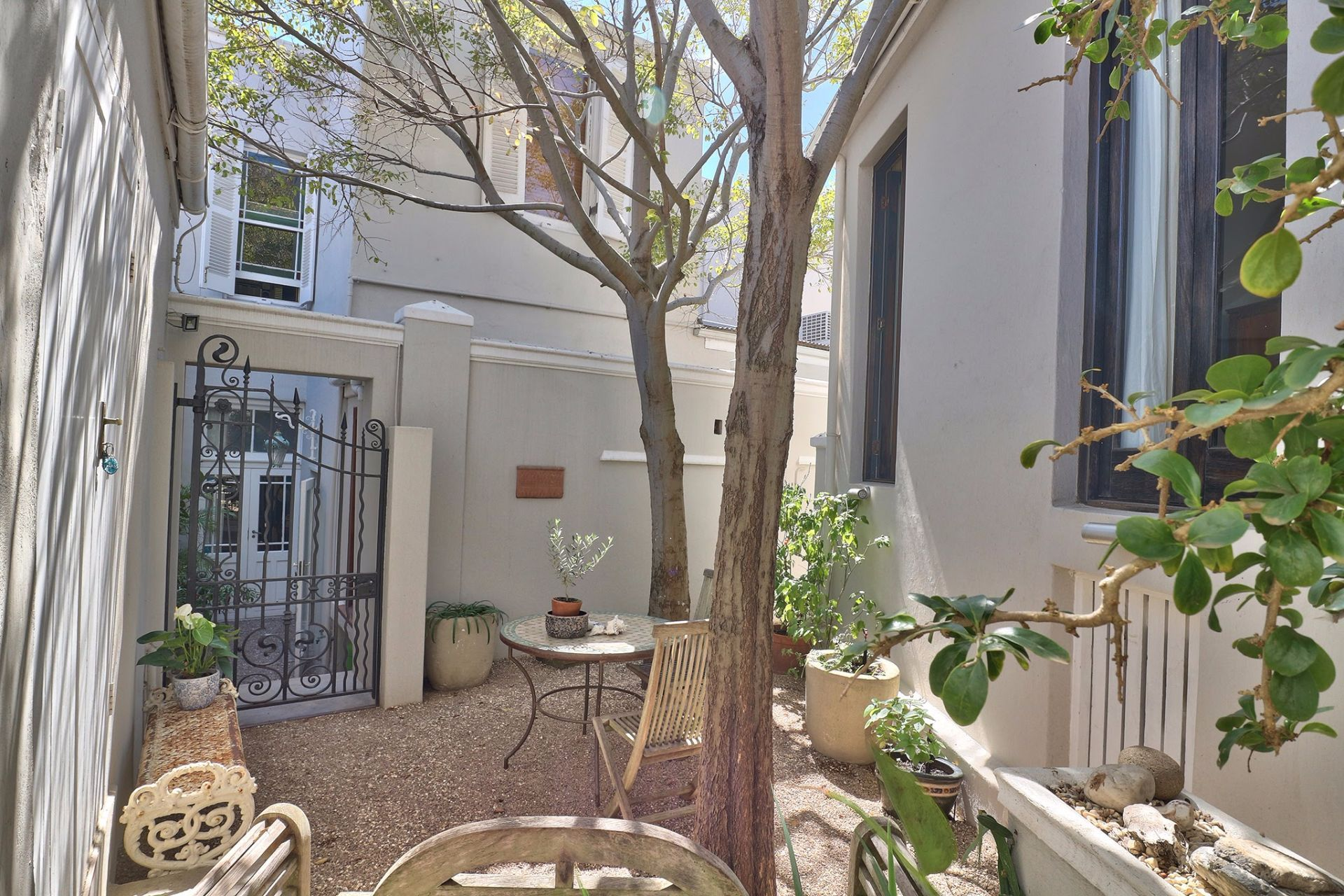 Green Point property to rent. Ref No: 13490143. Picture no 31