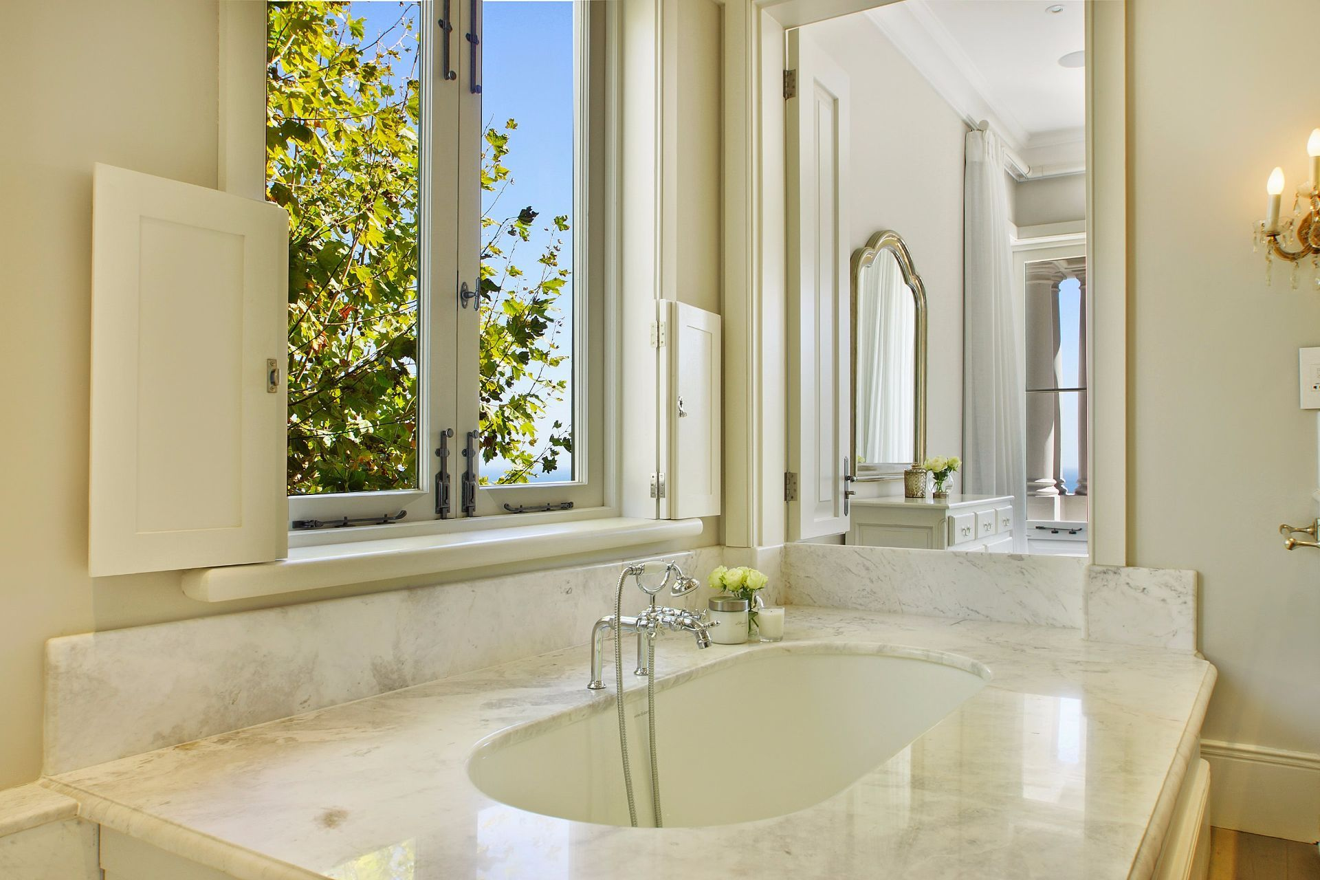 Camps Bay property to rent. Ref No: 13490082. Picture no 10