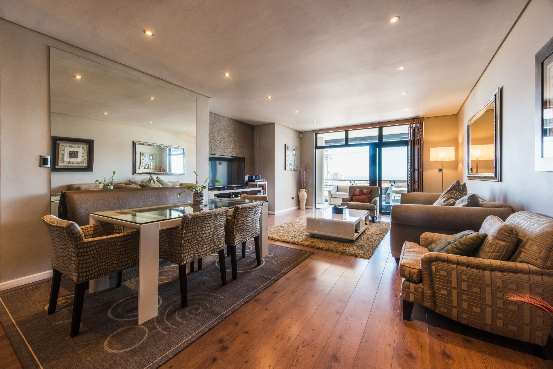 Cape Town, Sea Point Property    Houses For Sale Sea Point, SEA POINT, Apartment 2 bedrooms property for sale Price:9,500,000