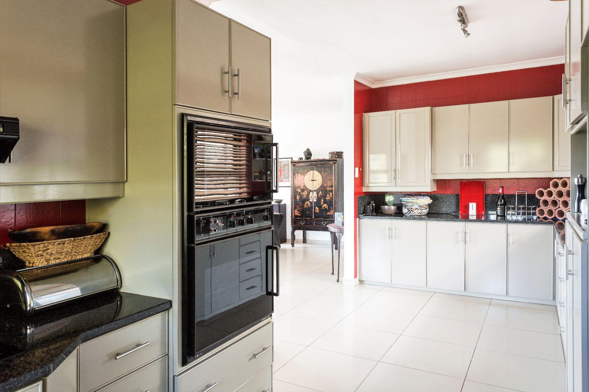 Wavecrest property for sale. Ref No: 13536947. Picture no 19