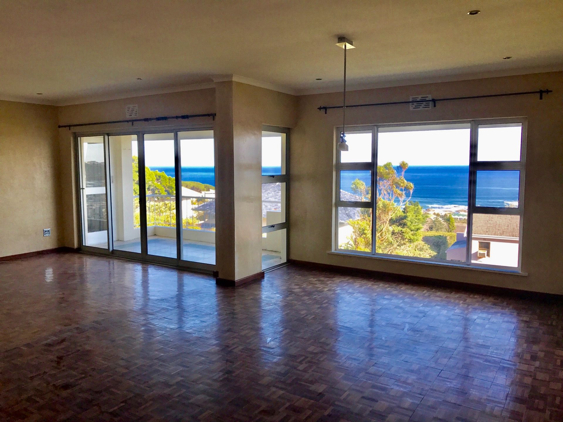 Cape Town, Camps Bay Property    Houses To Rent Camps Bay, CAMPS BAY, Apartment 3 bedrooms property to rent Price:, 40,00*