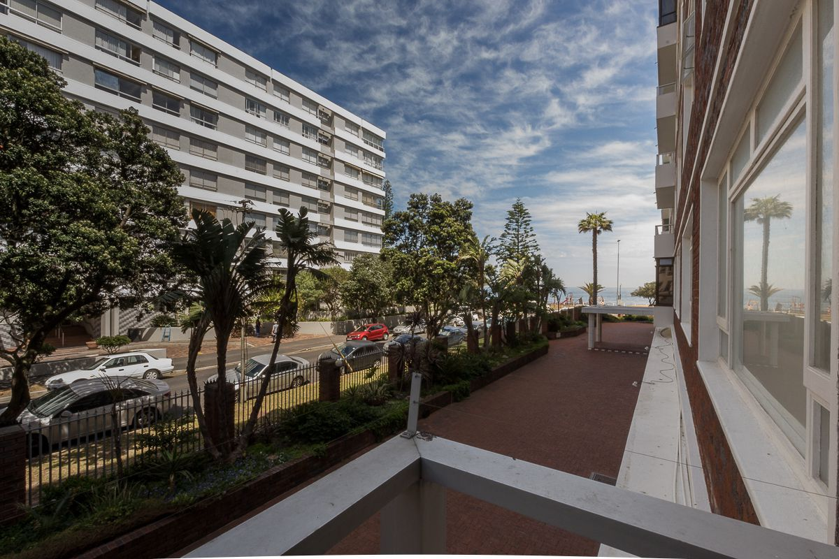 Cape Town, Sea Point Property  | Houses To Rent Sea Point, SEA POINT, Apartment 3 bedrooms property to rent Price:, 38,50*