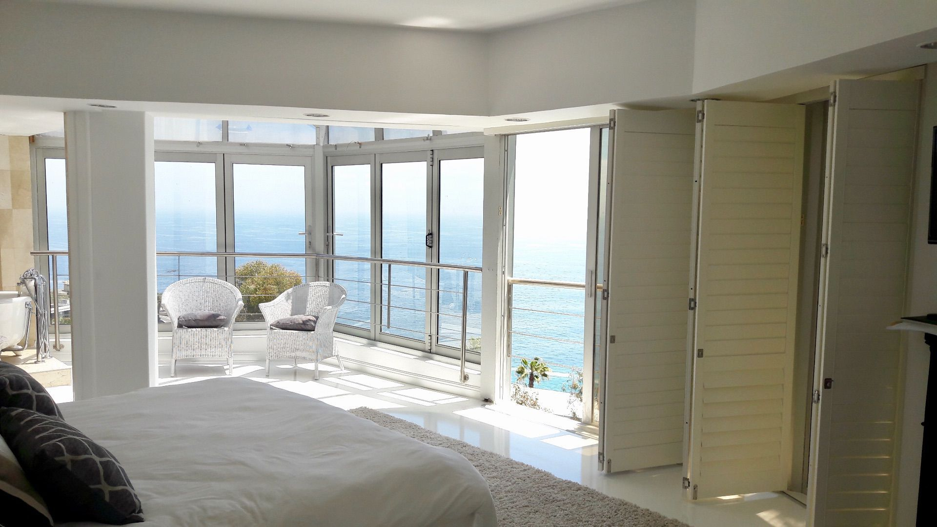 Bantry Bay property to rent. Ref No: 13561280. Picture no 13