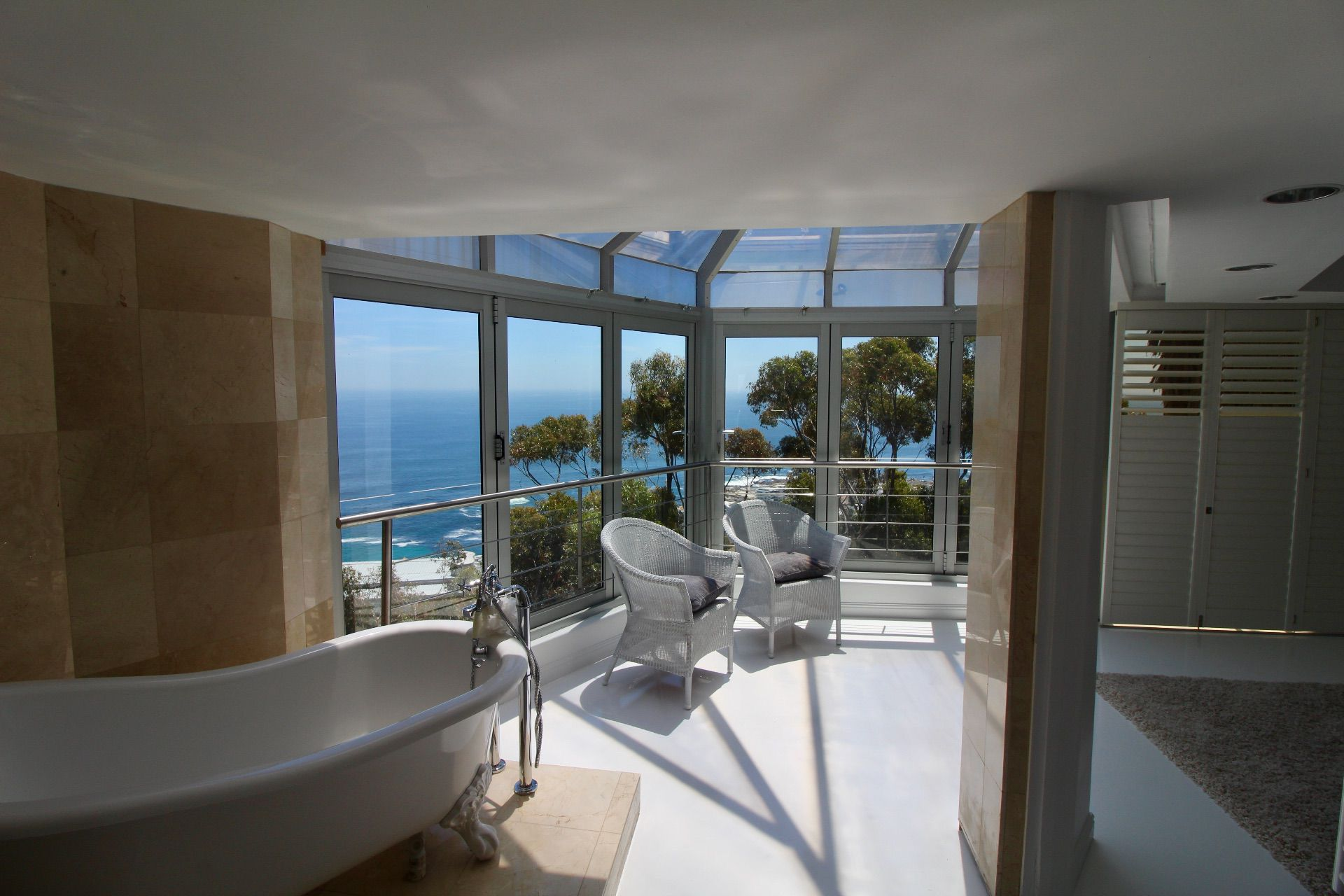 Bantry Bay property to rent. Ref No: 13561280. Picture no 14